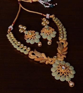 Kundan Embellished Peach Meenakari Worked Designer Necklace 317FNN176