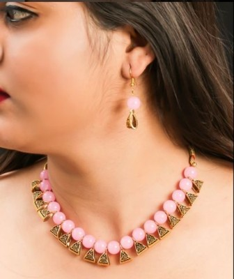Pink pearl necklaces