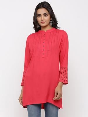 Women's Peach Rayon Applique Straight Tunic Kurti