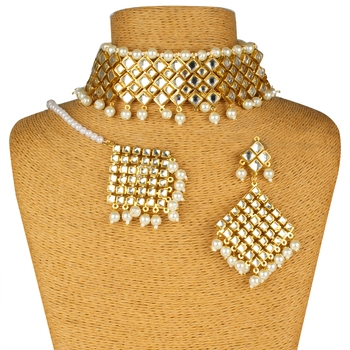 White Copper Kundan Gold Plated Necklace with Earring & Mang Tika