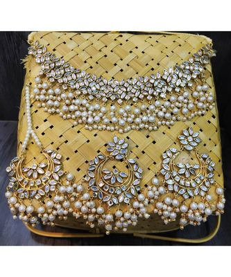 KUNDAN PEARL GOLD PLATED NECKLACE SET