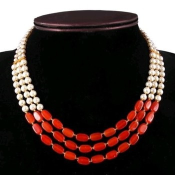 Maroon pearl necklaces