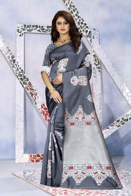 Grey Woven Kanjivaram Silk Saree With Blouse