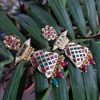 Multicolour stone antique earring