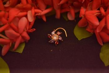 Gold diamond nose-ring