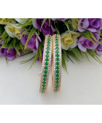 Eye Catching Desinger Bangle made out from Cubic Zircon & Emerald Stones