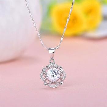 White cubic zirconia pendants