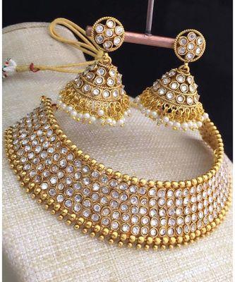 White Stone Antique Kempu Choker Necklace Set