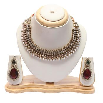 Kundan pearl necklace with green-marron earrings