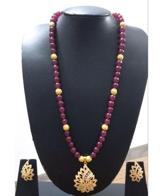 Georgeous  gold plated  Red colour necklace set