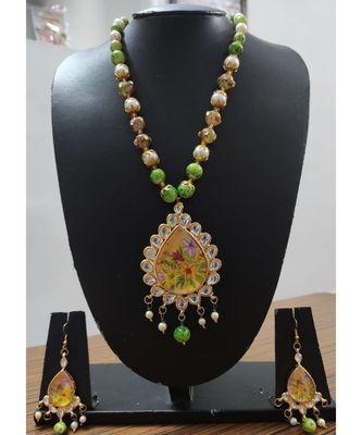 Green stones kundan necklace set