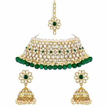 Gold Plated Traditional Kundan Pearl Choker Jewellery Set For Women