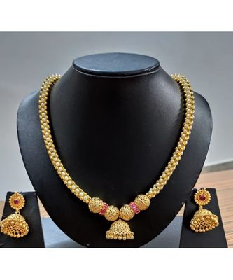 Georgeous gold plated Pearl and Kundans necklace  set