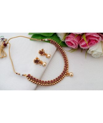Cute Antique Neckset With A Pair Of Matching Ear Rings