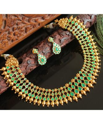 Splendid goldplated semi precious emerald necklace set