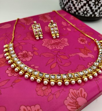 Stone studded necklace sets