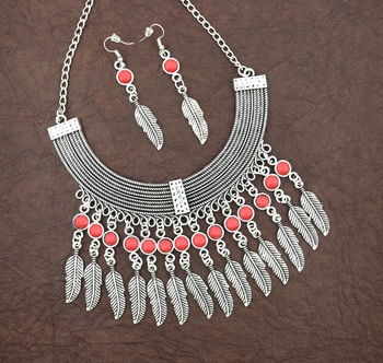 Red na necklace-sets