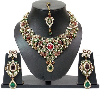 INDIAN Bridal Colored Stone Enamel Work Vintage Necklace Set