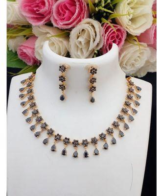 Mezmerising Designer American Diamond Necklace with Matching Ear Rings