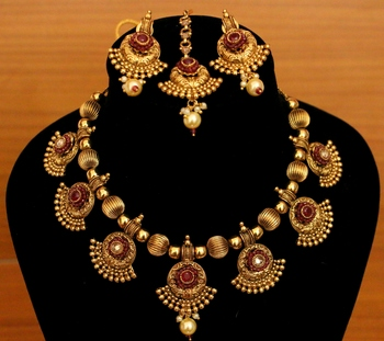 Red Zircon Necklace-Sets