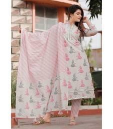 Cream Pink Floral Printed Pant Set .