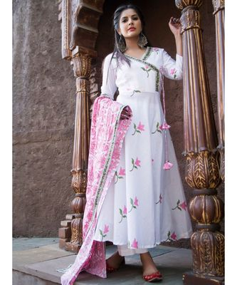 White Lotus Kurta Pant Set With Dupatta (Set of 3)