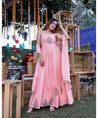 Peach Tier Maxi Dress With Dupatta (Set of 2)