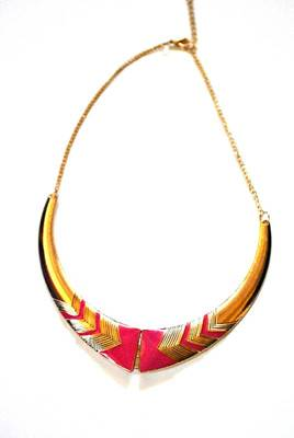 Fuchsia pink statement necklace