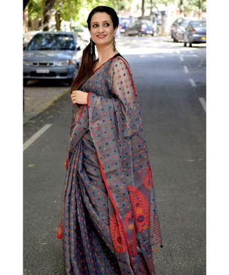 Elegance with comfort in this khadi silk jamdani saree
