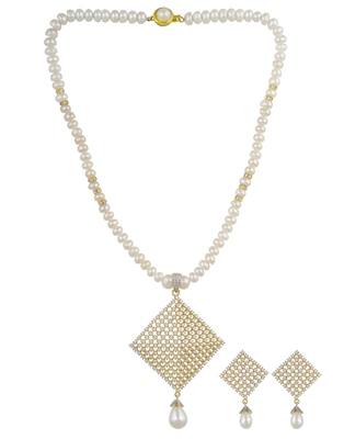 White pearl necklace-sets