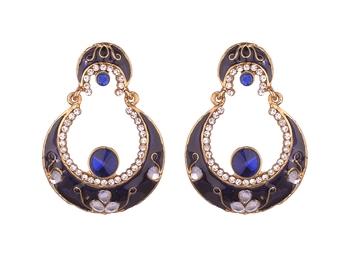Chandbali Kundan studded Gold toned Dangle Earrings