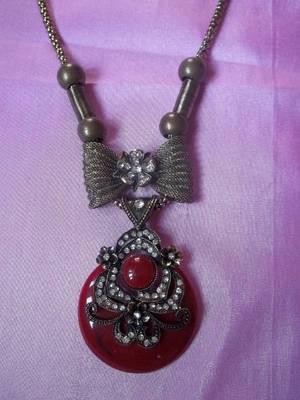 maroon stone and diamond necklace