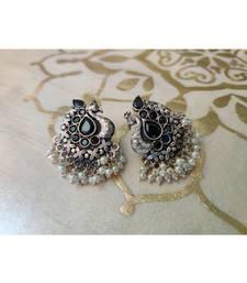 Black stone  Peacock Pearl Studs