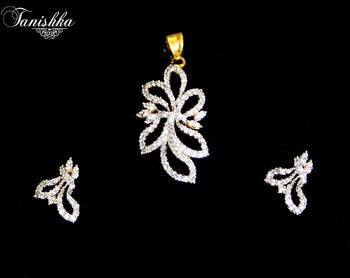 Breathtaking cz gold plated pendent set