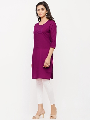 Women's  Magenta Dark Cotton Embroidered Straight Kurta