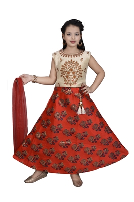 RED FLORAL BROCADE LEHENGA WITH CREAM EMBROIDERED CHOLI AND RED NET DUPATTA