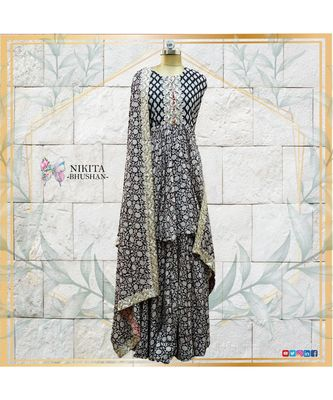 This elegant and contemporary sharara set with authentic handwork of pitta is made on muslin cotton