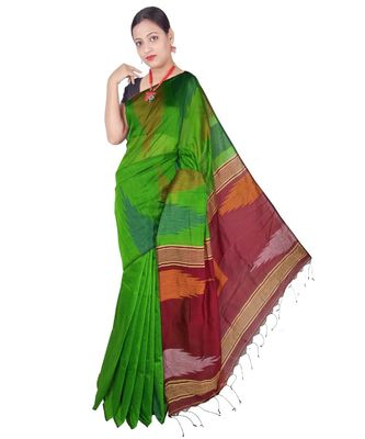 Green Hand Weaving Work Box Temple Design Handloom saree With blouse