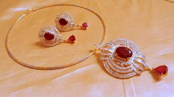 designer cz pendent with platinum gold neckline