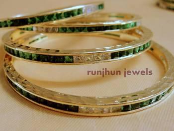 emrald green panna bangles pair