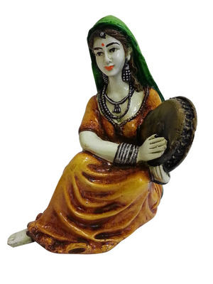 Rajasthani Lady playing Dafli