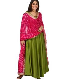 Green Floor Length Kurti With Pink Bandhani Dupatta