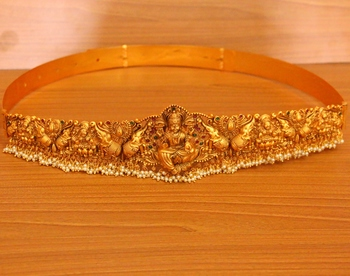 Gold pearl waist-belt
