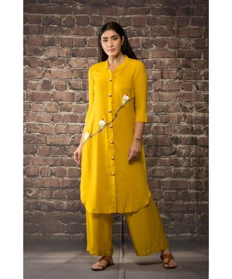 sulochana jangir yellow linen georgette kurta with 3 bird embroidery paired with matching pants