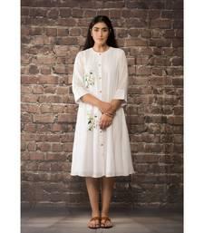 sulochana jangir white linen georgette tunic with geeth work .