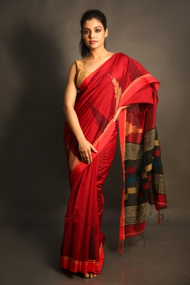 Red woven blended cotton saree with blouse