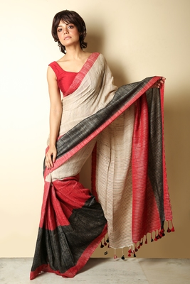 Red plain jute saree with blouse
