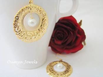 Royale Pearl earrings