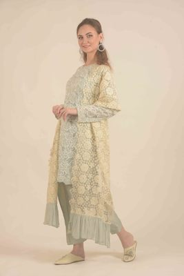 Rina Dhaka blue hand embroidery and straight pants with floral duppatta with ruffles