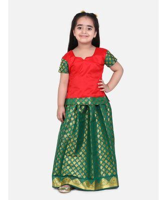 Girls Half Sleeve South Indian Pavda Pattu Lehenga